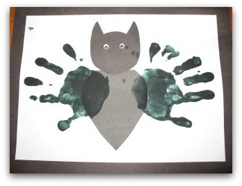 bat handprint craft