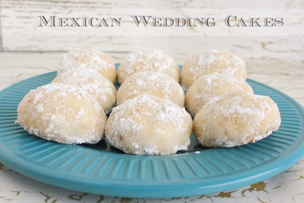 mexican wedding cakes for Christmas
