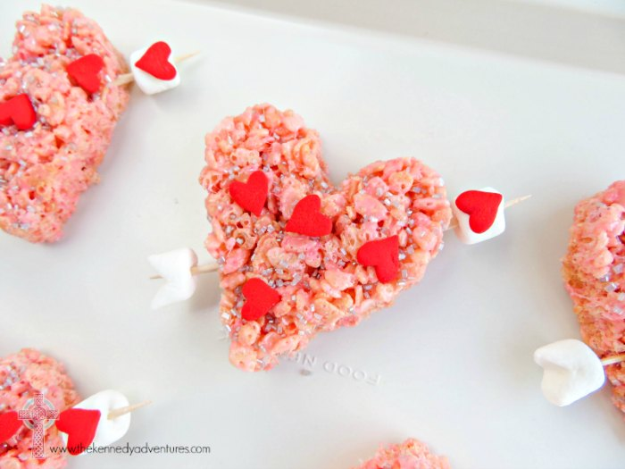 Surprise your children with these super fun Valentine's Day Treats! Easy and delicious!