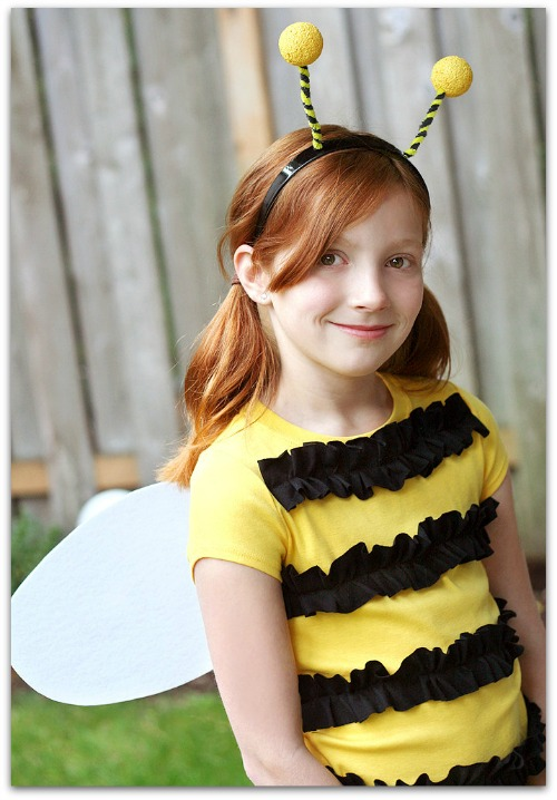 Diy halloween costumes for the whole family the kennedy adventures easy bumblebee costume solutioingenieria Choice Image