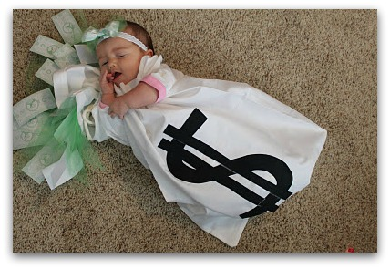 Diy halloween costumes for the whole family the kennedy adventures bag of money costume solutioingenieria Gallery