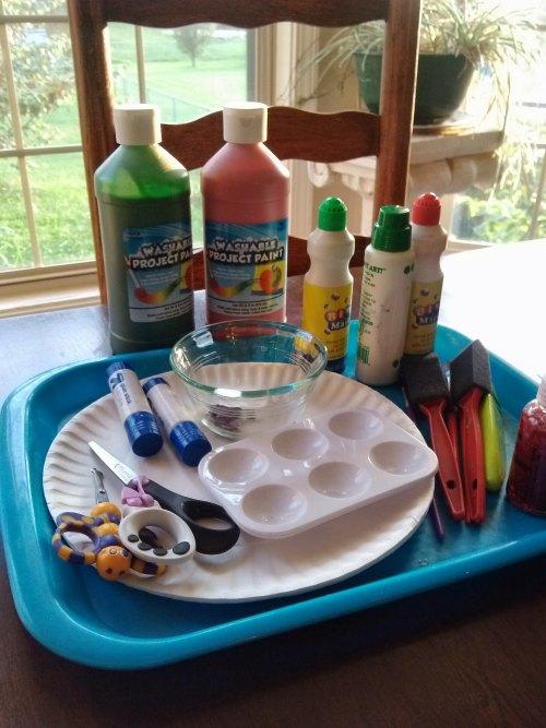 supplies for paper plate apple craft #playfulpreschool