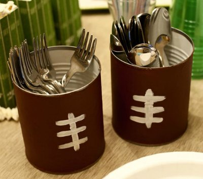 football birthday party decor. I LOVE this idea ... & Football Birthday Party Ideas