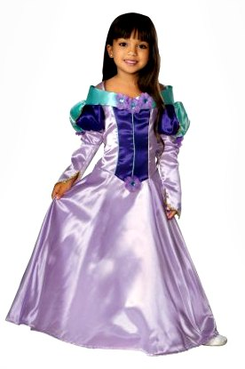 Princess Costume ideas for All Saints Day -- find this and more super simple ideas over at The Kennedy Adventures!