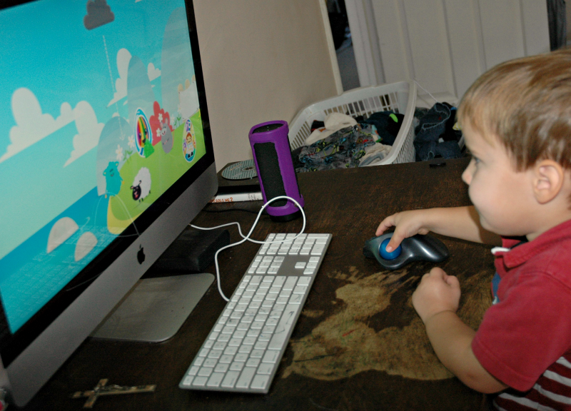 Looking for a GREAT online reading game for your preschooler? Our Daniel LOVES Reading Eggs Junior -- head over and grab your FREE 4 week trial.