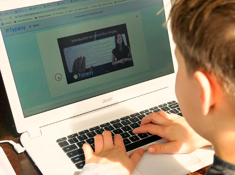A homeschool typing program that's hands off for Mom? Yes, please!